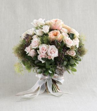 Моно-букет из роз «Гимн изобретательности»